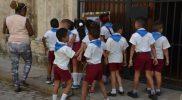 Szkoła podstawowa na wycieczce